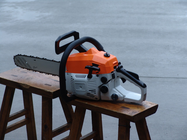 2 Stroke Lightweight Gas Chainsaw With 45cc Displancement 20 Inch Bar